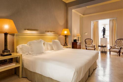 Suite Hotel Casa Del Poeta 38