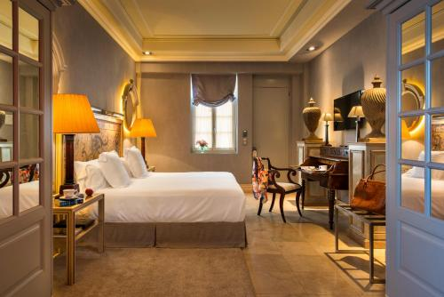 Suite Hotel Casa Del Poeta 39