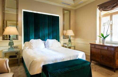Suite Hotel Casa Del Poeta 51