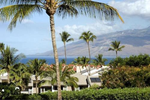 Maui Kamaole Suites by Condominium Rentals Hawaii