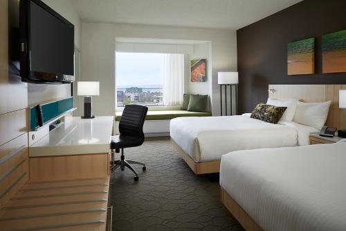 Delta Hotels By Marriott Prince Edward - Photo 4 of 61