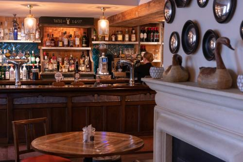 White Hart Inn - Photo 3 of 38