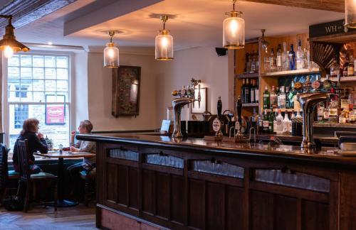 White Hart Inn - Photo 4 of 38