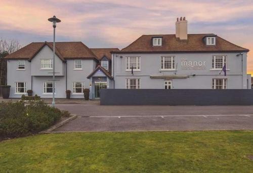 . Berwick Manor Hotel