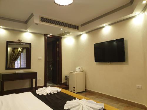 Nile Meridien Garden City Hotel - image 11