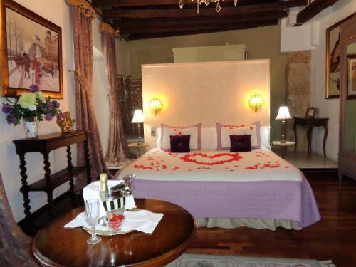 Deluxe Double or Twin Room with Spa Bath Boutique Hotel Nueve Leyendas 16