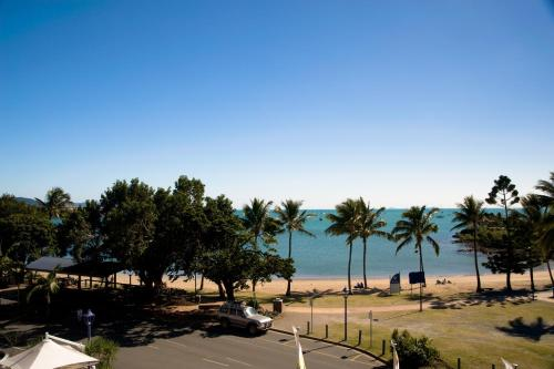 16 The Esplanade, Airlie Beach, Queensland 4802, Australia.