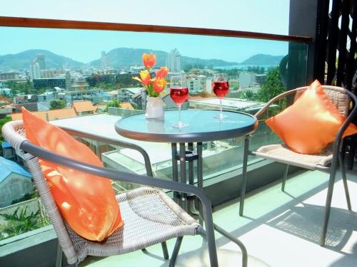 Emerald Terrace: Trendy sea view studio in Patong ! Emerald Terrace: Trendy sea view studio in Patong !