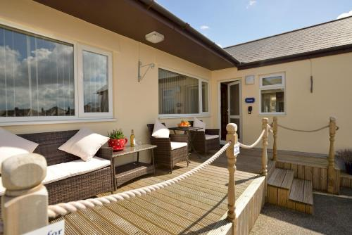 3 Bedroom Cottage - Sea View And Pet Friendly -