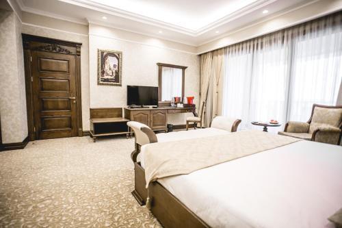Shamakhi Palace Sharadil Zimmerfotos