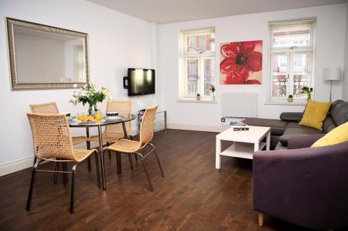 Apartment 2, Trafalgar Square (Second Floor) - image 3