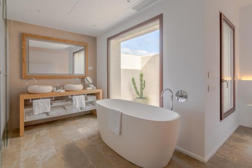 Suite with Terrace Safragell Ibiza Suites & Spa 4