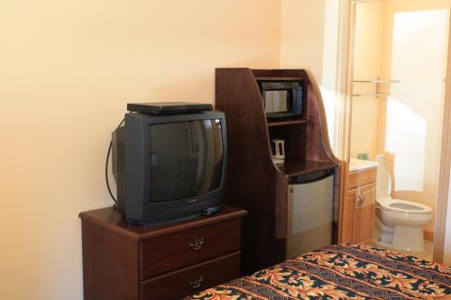 Gold Trail Motor Lodge - Placerville, CA 95667