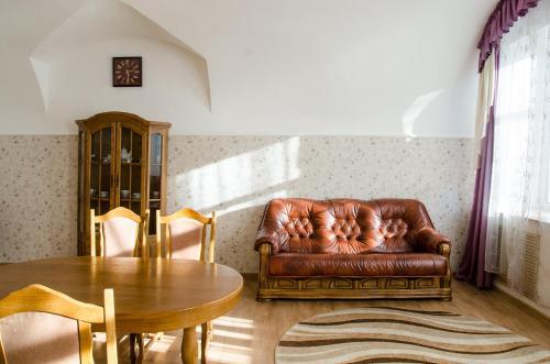 . Otel' Gubernskiy