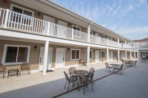Affordable Suites of America Portage - Hotel