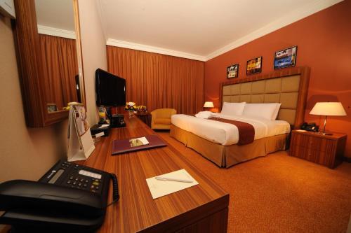 City Seasons Al Hamra Hotel photo 24