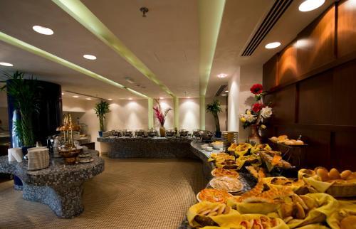City Seasons Al Hamra Hotel photo 3