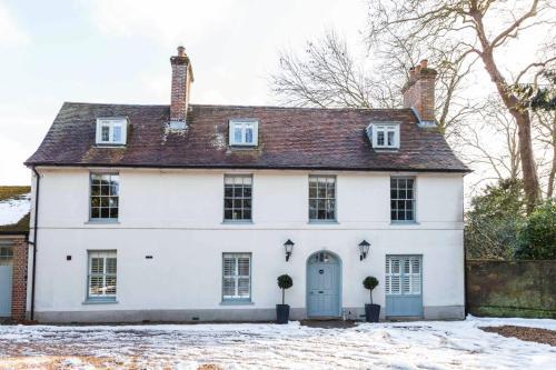 Wimborne Minster Villa Sleeps 16 Wifi