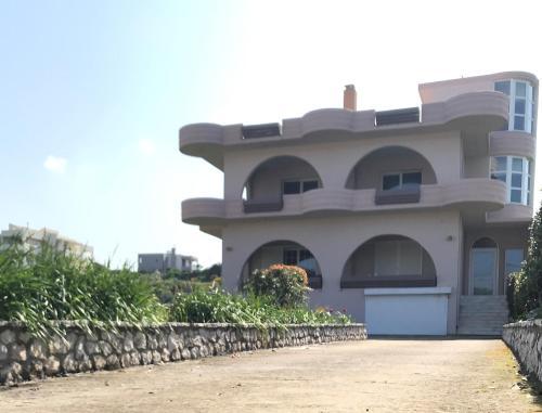 Country Modern Villa in Damatria Village