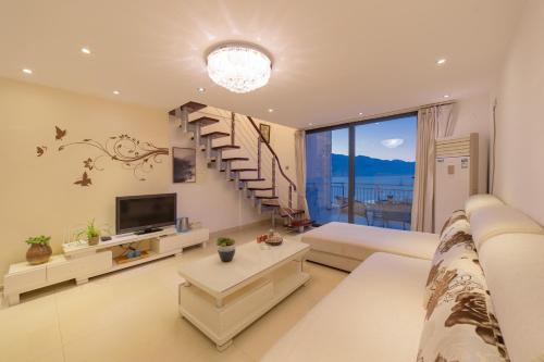 . Dali Yunju Seaview Design Apartment
