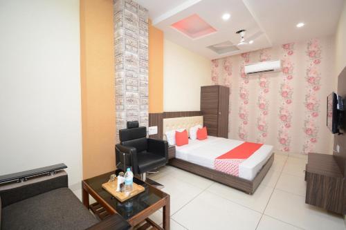 . Hotel Dhingra
