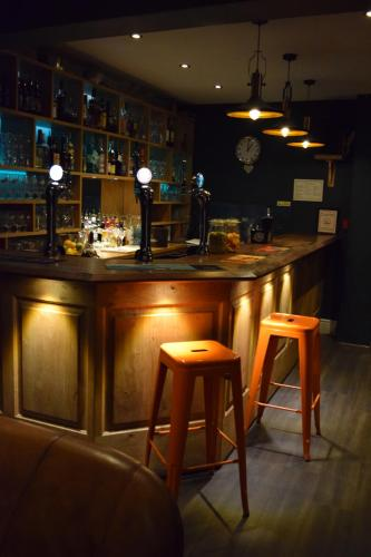 Ty Glyndwr Bunkhouse, Bar and cafe - Photo 2 of 77