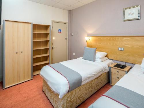 Foto - OYO Gresham Hotel