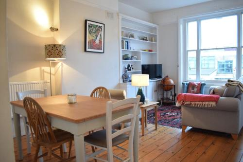 Bright 1 Bedroom Flat In Brixton