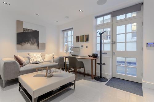 Mayfair 1 Bedroom Flat
