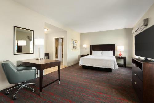 Hampton Inn & Suites Phoenix Glendale-Westgate - Glendale, AZ AZ 85305