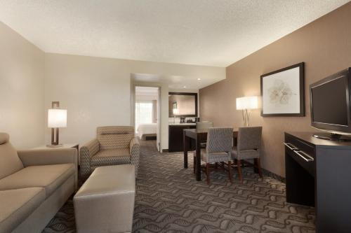 Embassy Suites Arcadia-Pasadena Area - Arcadia, CA CA 91006