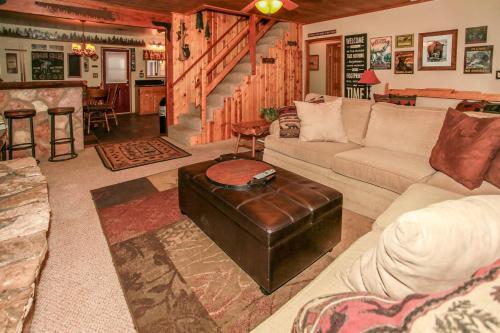 Bear Bottomz #1540 - Big Bear Lake, CA 92315