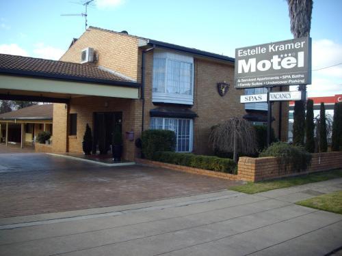 Фото отеля Estelle Kramer Motel