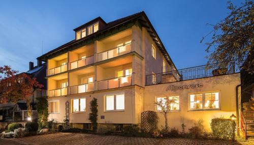. Wohlfühlhotel Alpenrose