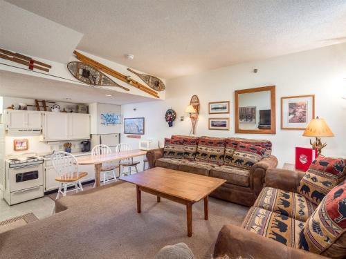 Slopeside: Cascades A-10 - Newry, ME 04261