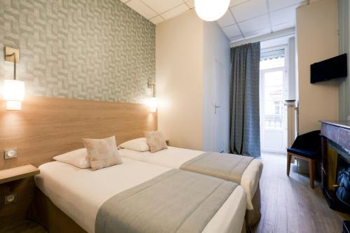 Hôtel du Dauphin - Hôtel - Lyon