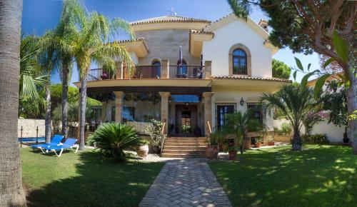 . Hotel Azalea Playa