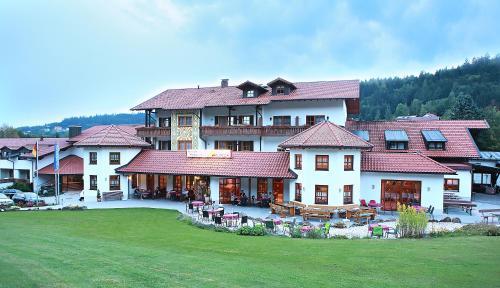 Wellness- und Wohlfühlhotel Waldeck - Hotel - Bodenmais