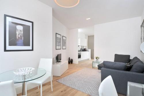 Destiny Scotland - St Andrew Square Apartments photo 10