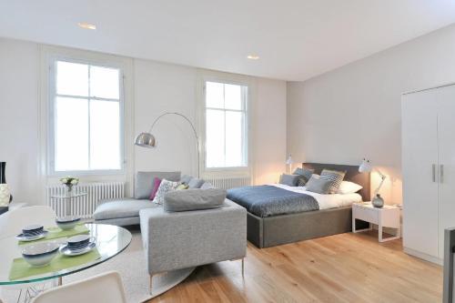 Destiny Scotland - St Andrew Square Apartments impression