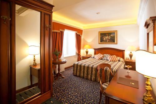 Grand Villa Argentina camera foto