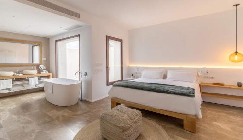 Suite with Terrace Safragell Ibiza Suites & Spa 2