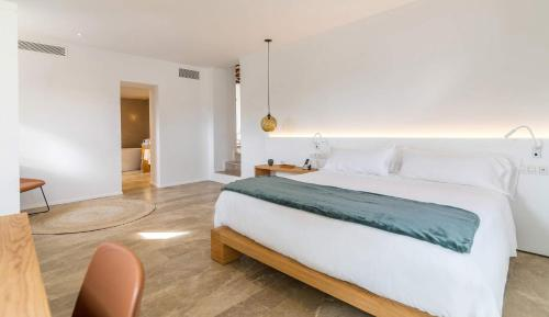 Suite with Private Pool Safragell Ibiza Suites & Spa 3
