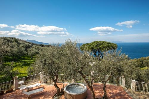 Villa Rusella with terrace & breathless sea views