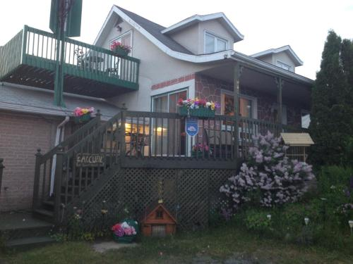 . Gîte le Voilier Bed and Breakfast