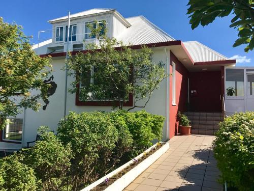 Guesthouse Árný - Photo 2 of 38
