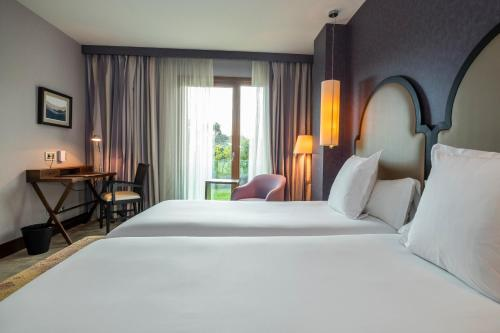 Standard Double or Twin Room Artiem Asturias 2
