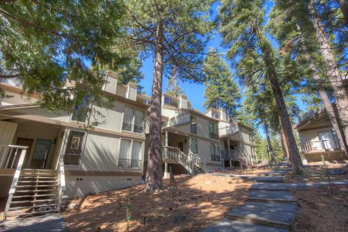 Commonwealth Driveapartment 4 - Kings Beach, CA 96143