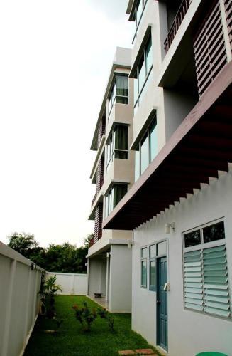 The Meet Green Apartment photo 30