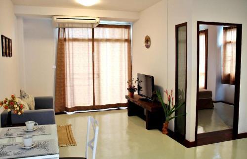 The Meet Green Apartment photo 33